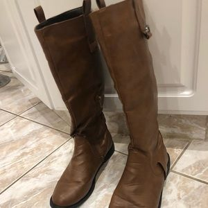 Women's size7 brown boots